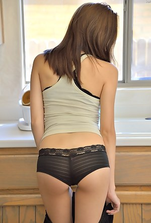 Big Ass Undressing Porn Pictures
